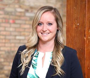 Lauren Arnold
